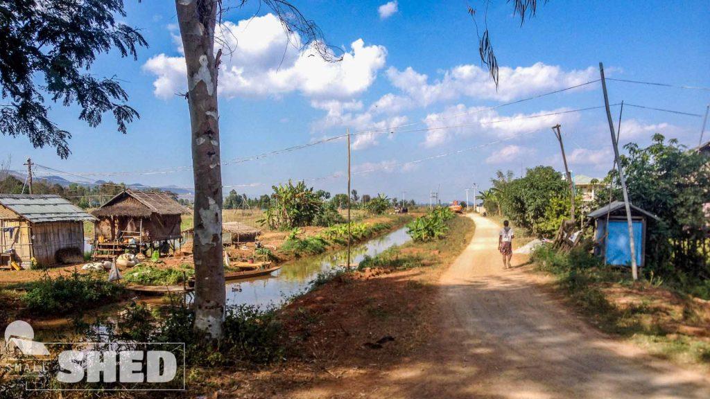myanmar- street - polvere - burma
